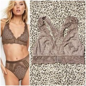 VS Very Sexy Lace & Mesh Plunge Bralette, Size M